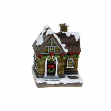 1x polystone kerstkerstdorp huisjes/kerstdorpje kerstdorp huisjes grijze schoorsteen met verlichting 13,5 cm