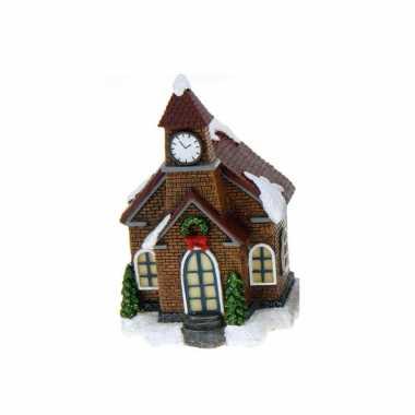 1x polystone kerstkerstdorp huisjes/kerstdorpje kerstdorp huisjes kerkje met verlichting 13,5 cm