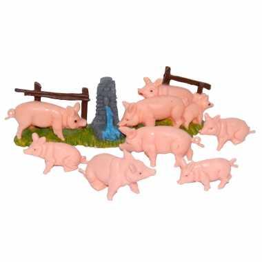 8x varkens / biggetjes miniatuur beeldjes dierenbeeldjes