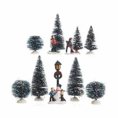 Kerstdorp maken figuurtjes spelende kinderen 26,5 cm type 1