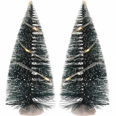 Kerstdorp onderdelen 2x kerstbomen 15 cm met led verlichting