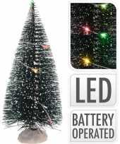 Kerstdorp onderdelen 2x kerstbomen met gekleurde led verlichting 15 cm